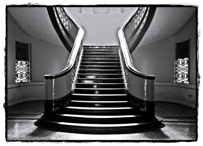 Stairs @ HCM City Museum - Saigon